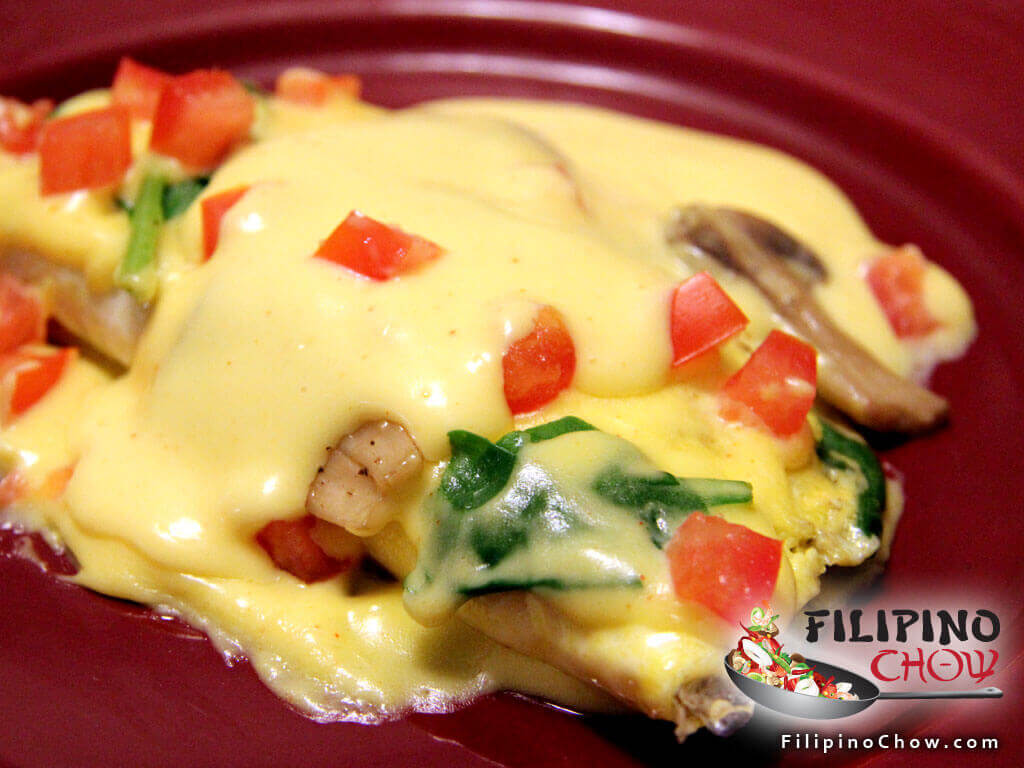 Image of Picture of Spinach & Mushroom Omelette with Hollandaise Sauce